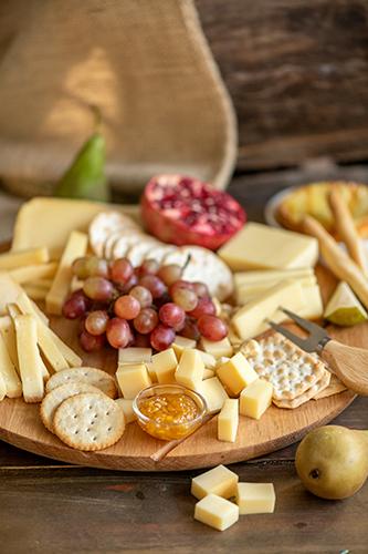Herkkujuustola - juustotarjotin ja viikunahilloa