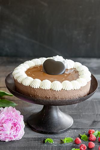 Hyydytetty lakritsi-suklaakakku